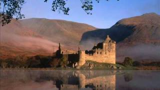 Paul McCartney and Wings - Mull of Kintyre - a tribute to Scotland w/ lyrics
