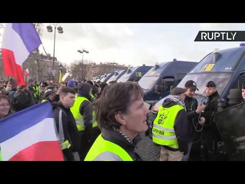 Yellow Vest protest in Paris: Act XIII