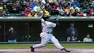 2001 ALDS Gm4: Edgar hits tape-measure shot in ninth