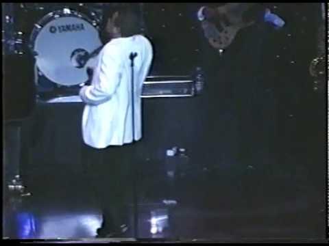 Jeffrey Walker sings Imagine1.mp4