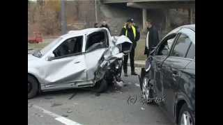 ДТП Київ, шалена Toyota перекинула кавомашину та знищила припаркований Geely