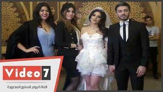 وفاء قمر بفستان زفاف جرئ أثناء عقد قرانها على هيثم محمد