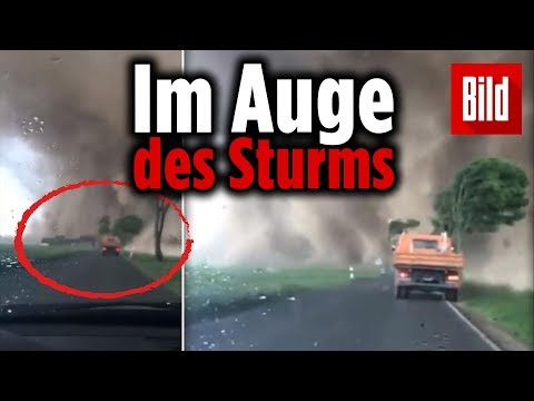Tornado fegt über NRW und dieser Autofahrer war mittendrin!