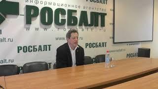 Михаил Трофименков — Когда мир был красным: кино и политика