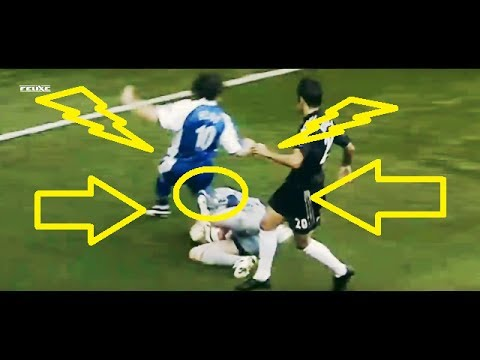 How petr cech got his head injury ( in match video) - YouTube