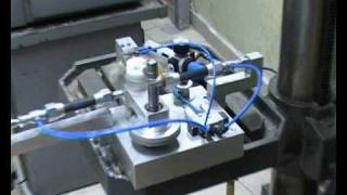 Centrifugal oscillating engine