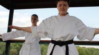 Айкидо для начинающих(В этом видео Fitness Blogger Лена отправилась на тренировку к обладательнице черного пояса по айкидо - Наташе Епан..., 2013-09-11T21:55:41.000Z)