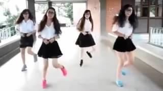 Baile de shuffle en el colegio