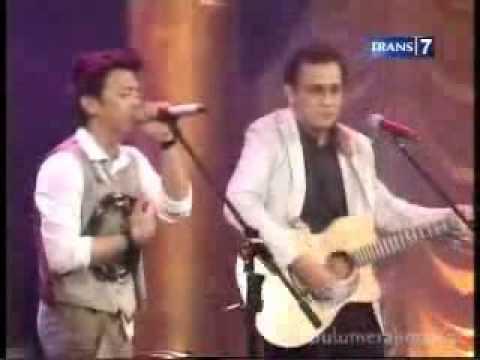 Menghapus Jejakmu feat  Iwan Fals @ Music Special Perjalanan Mimpi PETERPAN