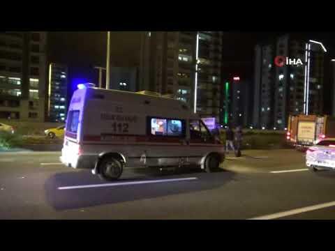 Diyarbakır'da motosiklet kamyonetin altında kaldı: 2 yaralı