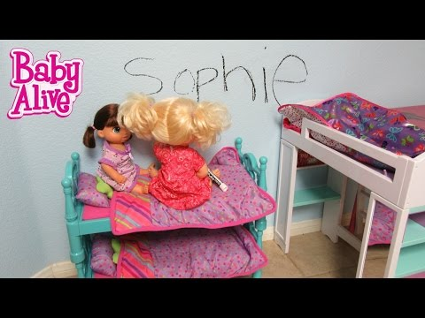 BABY ALIVE Real Surprises Doll Sophie writes her name on her wall!  Baby Alive Doll Skit