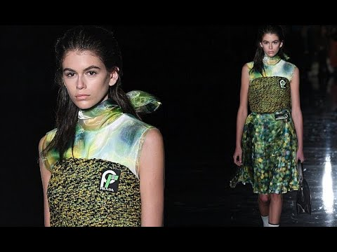 Kaia Gerber lights up Milan Fashion Week