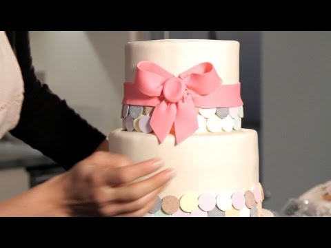 how-to-make-a-fondant-ribbon-&-bow-|-wedding-cakes