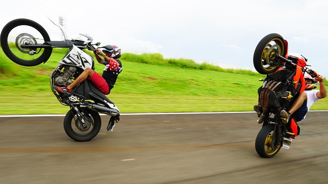videos de empinar moto