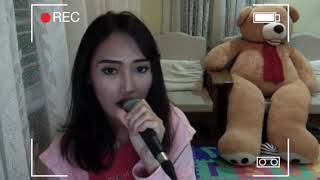 When we were young cover by Singer Julia Noe