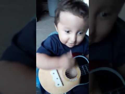 Andrés David el hermoso guitarrista...bromista...