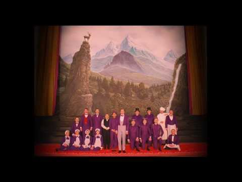THE GRAND BUDAPEST HOTEL: Official Red Band Trailer streaming vf