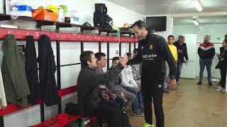 Charla de Vicente Moreno con los jugadores del RCD Mallorca de la Liga Genuine