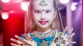 Амалия танцует индийские танцы - 7 лет / Amalia and her Indian dance - 7 years(Красивая девочка Амалия танцует индийские танцы. Ей 7 лет. Она занимается на данный момент 1,5 года индийским..., 2015-04-14T17:33:52.000Z)