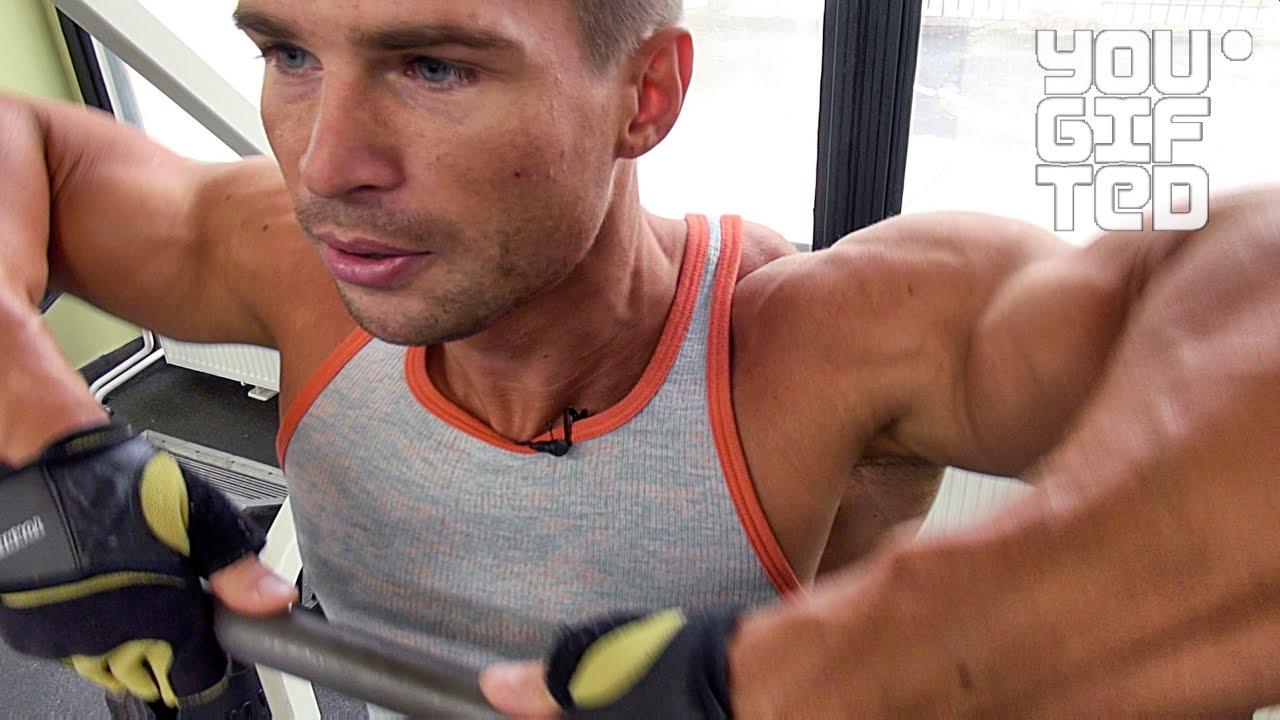 Тренировка плеч. Денис Гусев: Фитнес модель - это мое хобби.
