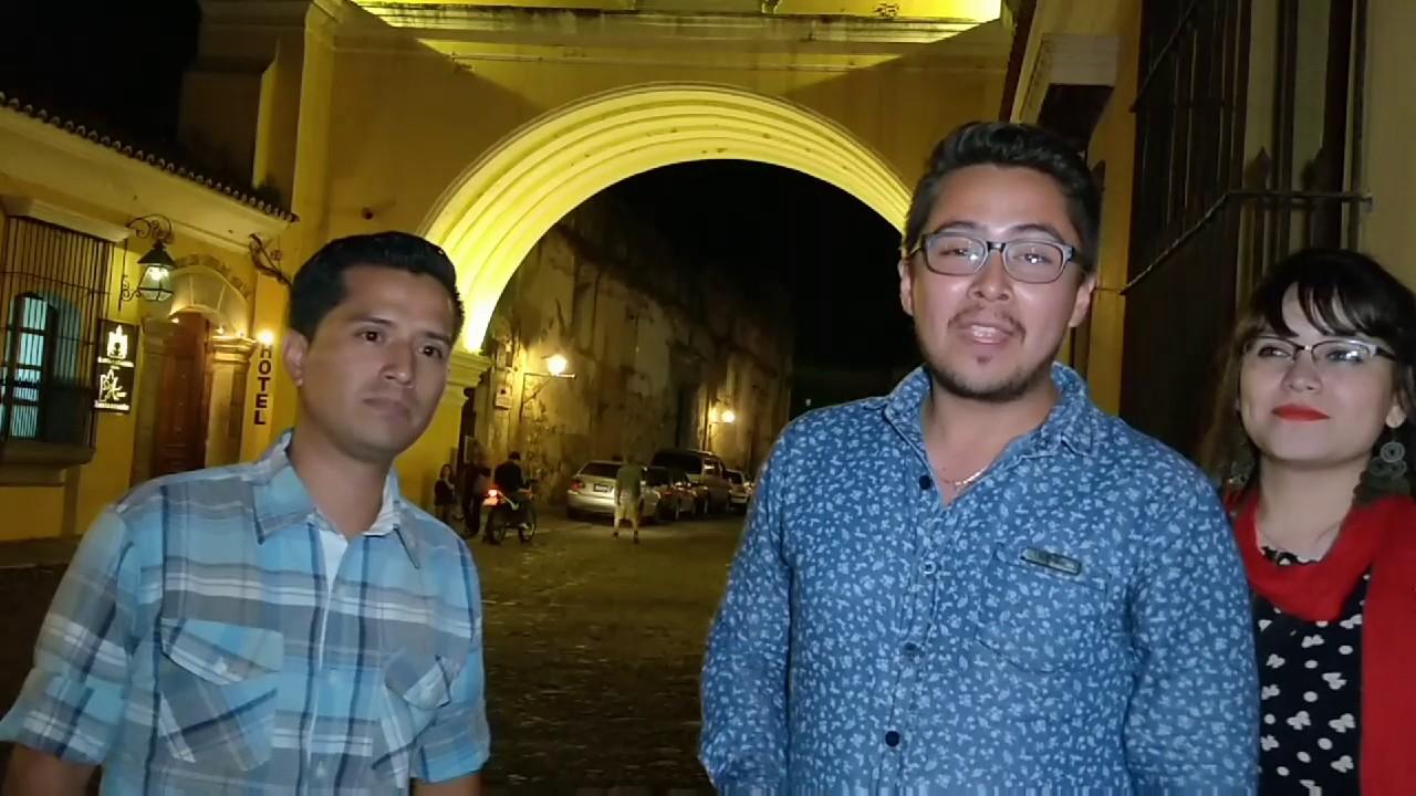 Antigua Guatemala de Noche - Aquí me Quedo