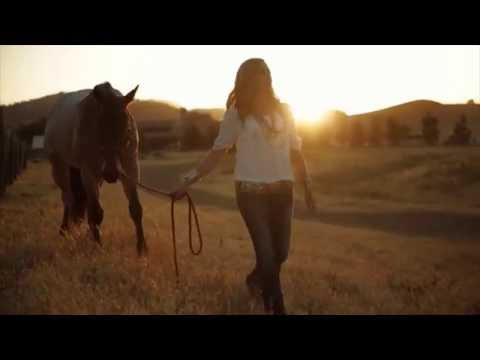 Ariat Presents: How To Fit Cowgirl Boots