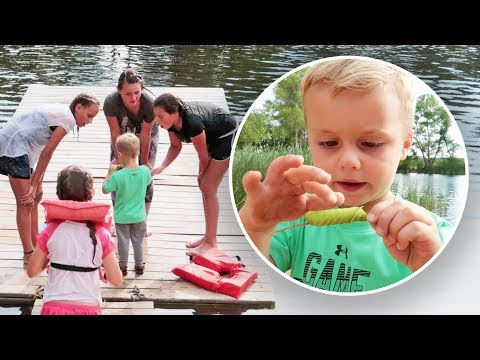 3 YEAR OLD SHOWS OFF LAKE CREATURE!