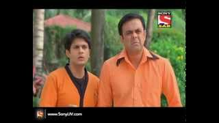 Badi Door Se Aaye Hain - बड़ी दूर से आये है - Episode 104 - 31st October 2014