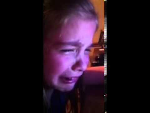 Girl crying to Leo Howard - YouTube