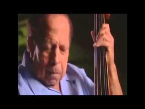 Bridges: Musica Afro-Cubana Origen de la Salsa e Influencia en el Jazz (Latin Music USA)