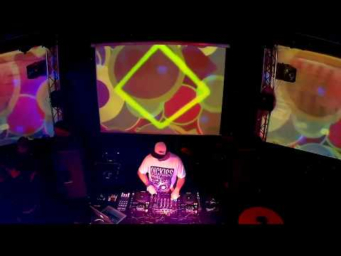 MUSIC PLEASE Calypsso 16. 4.  2016 dj Waxwork & Genetic