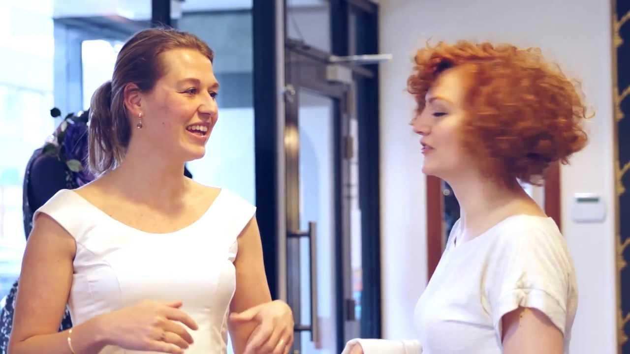 De couture bruidsjurk van Wieneke, voor kort en achter lang!