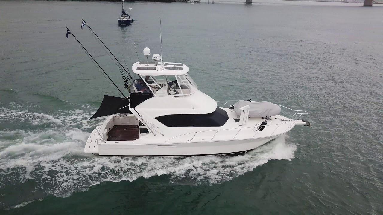 Riviera 3850 Flybridge