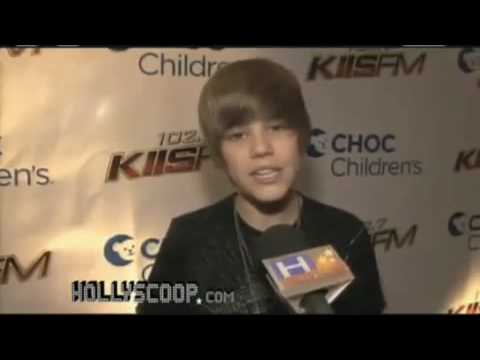 Justin Bieber singing for Beyonce - All the single ladies