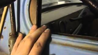 видео Двери кузова и кабины автомобилей УАЗ-452, стеклоподъемник, замки