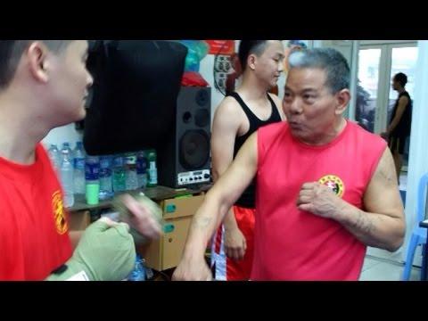 Tin tức trong ngày - Cao thủ võ Việt một chiêu hạ gục 'Từ Hiểu Đông' phái Thất Sơn Thần Quyền