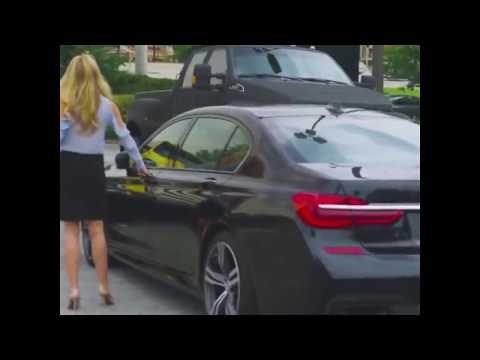 Блондинка и BMW
