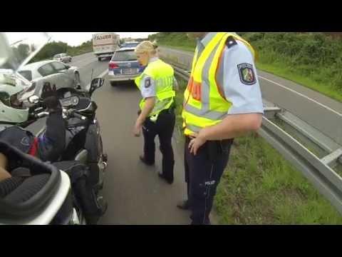Dayı yeğen' in Almanya'da polisle imtihanı :)