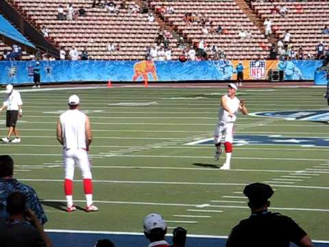 Peyton Manning to Kerry Collins warming up at the Pro Bowl in Hawaii