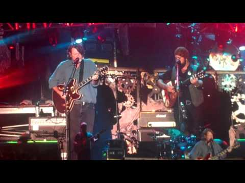 Zac Brown Band with John Bell  Blue Indian  Ain't Life Grand  101913