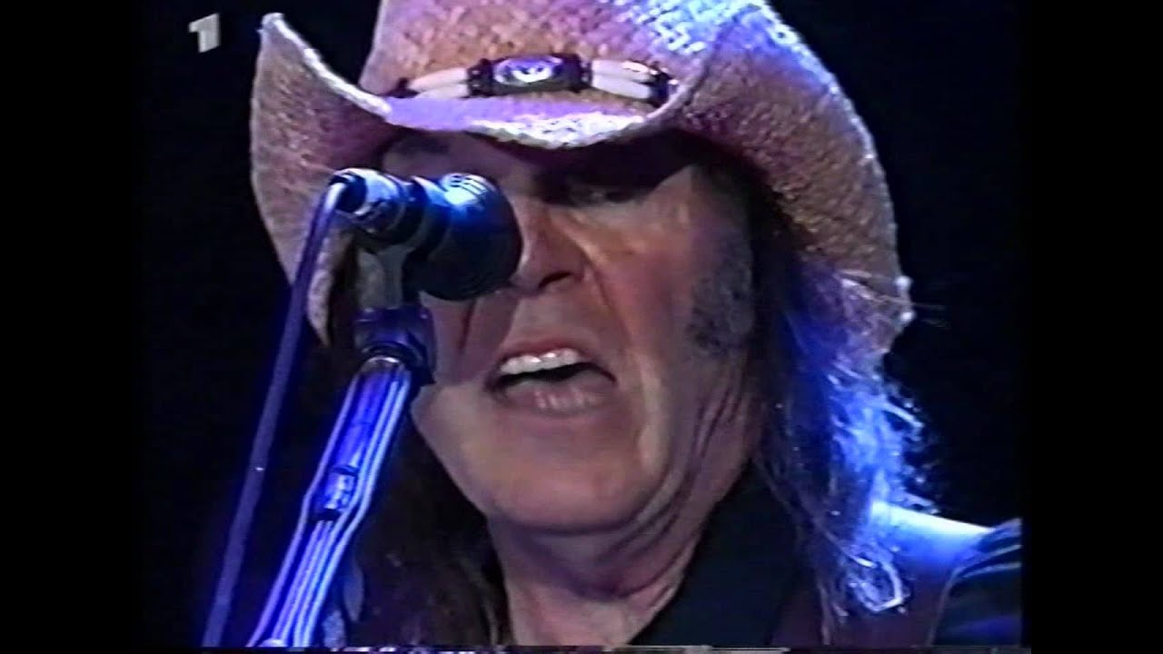 Resultado de imagen de Neil Young 2002-05-18 Rock am Ring part 1