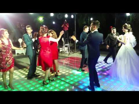 رقص  عروس و داماد thumbnail