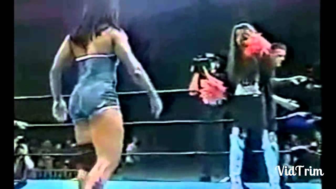 شاهد للكبار فقط 18 فضيحة المصارعة النسائية مواقف مضحكة و