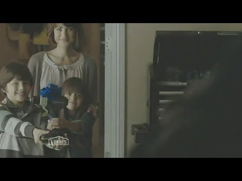 Lindsey Lamer: Lowe's TV Commercial  'Perfect Gifts'