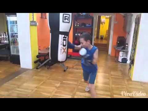 Tekmovalec Jure 11 let (sado boks in vreca)