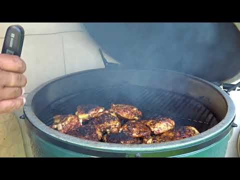 SDSBBQ - Grilling Chicken Thighs On The Big Green Egg