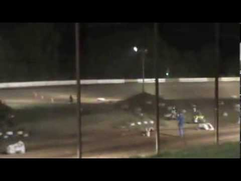 North Central Arkansas Speedway--450's Beginner Knobyy--crash --Honeycutt and Micah... 9-7-13