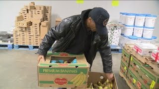 Feeding America offers healthy options to local food pantries