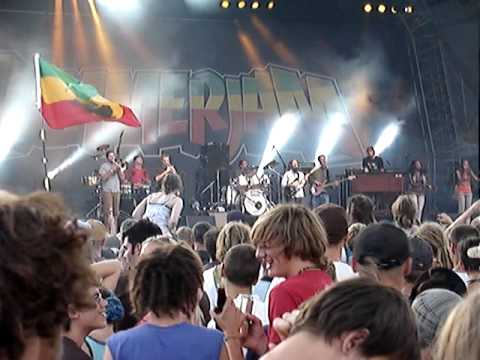 groundation-here-i-am-livesummer-jam-2009-rasflo