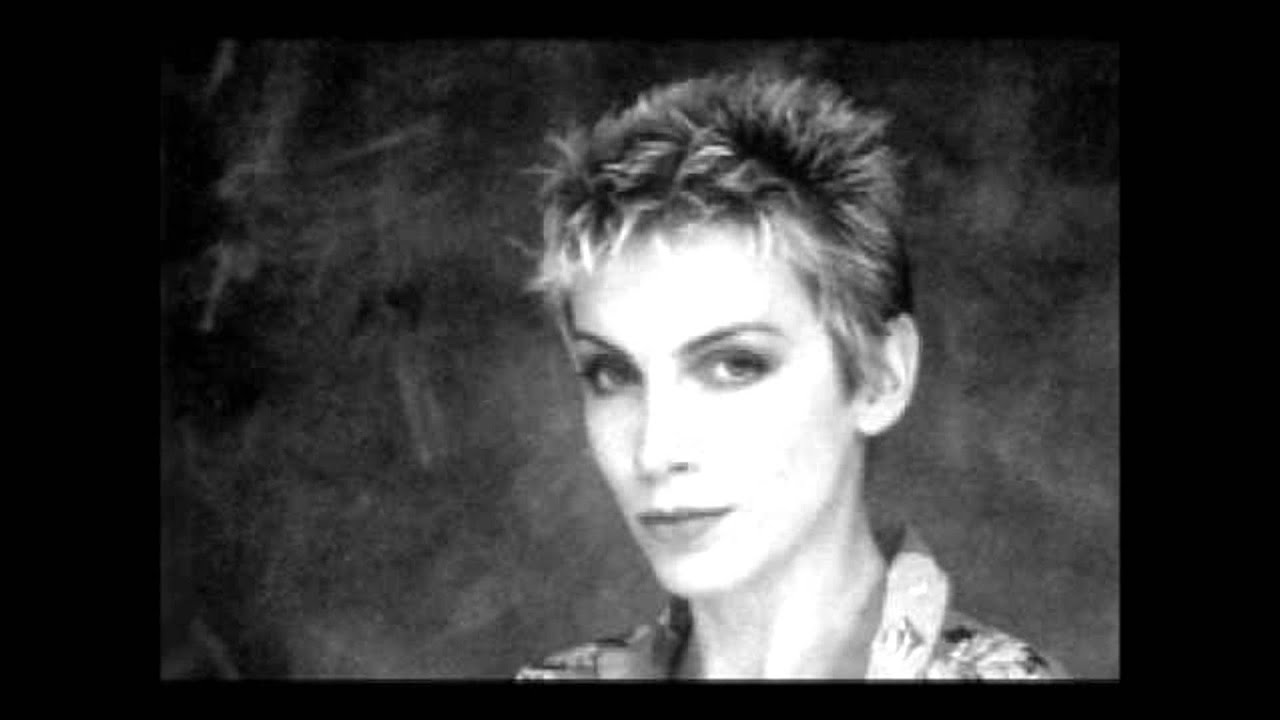annie lennox sweet dreams перевод
